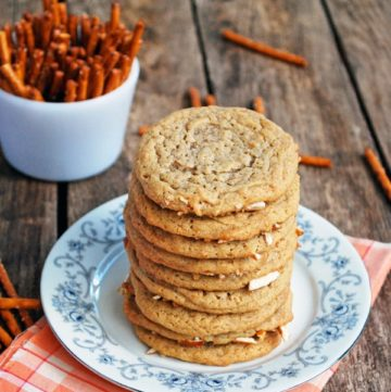 Peanut Butter Pretzel Cookies - The perfect combination of sweet, salty, chewy, and crisp! Full recipe at theliveinkitchen.com