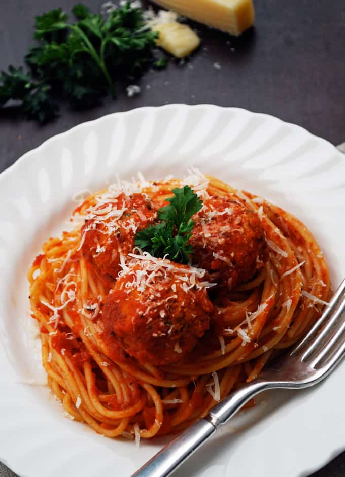 "Spaghetti and Vegetarian ""Meatballs"""