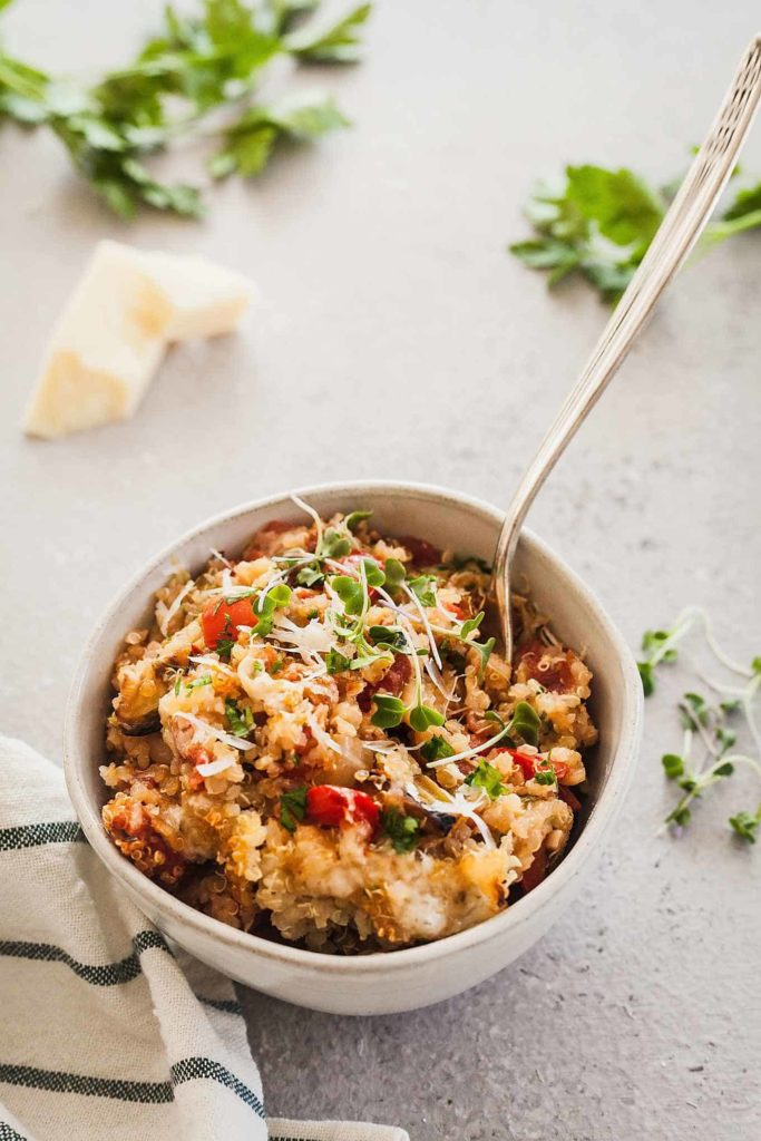 Italian Quinoa Casserole - A hearty and comforting vegetarian casserole with lots of protein and vegetables! #vegetarian #quinoa #casserole #comfortfood