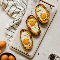 Vegetarian Potato Skin Egg Boats - An easy brunch or breakfast for dinner idea! #breakfast #brunch #mothersday #eggs #potatoes