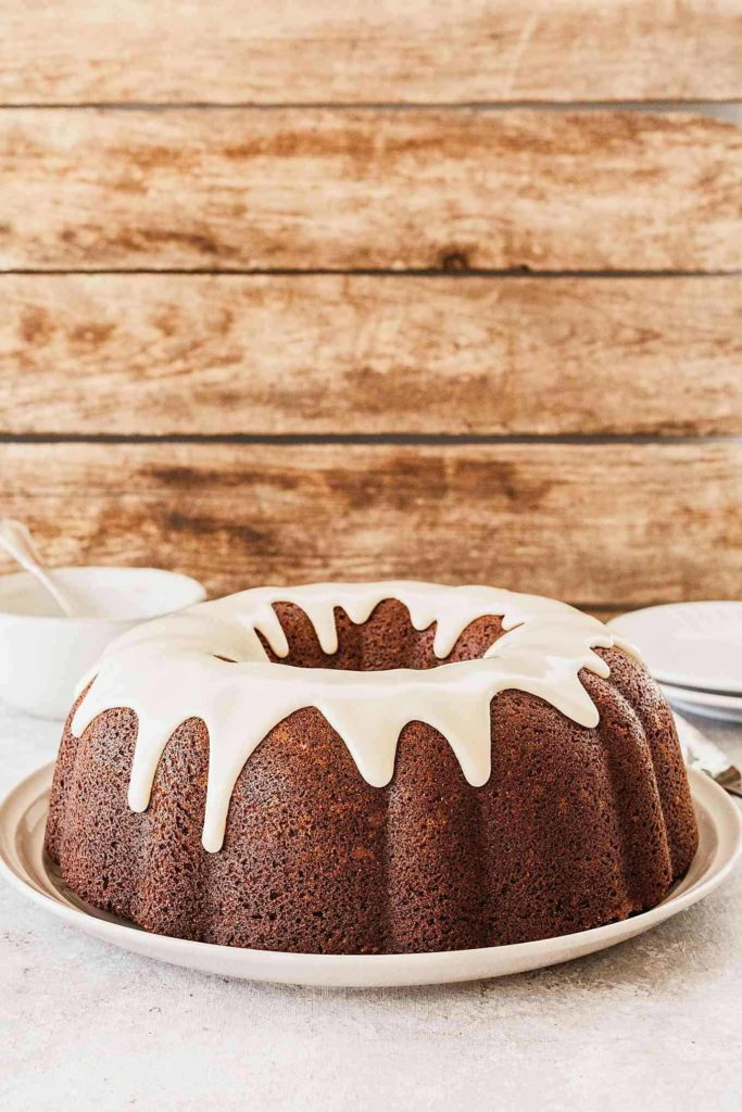 Banana Bundt Cake with Vanilla Glaze - A dense, sweet bundt cake topped with a simple, sweet glaze. #bundtcake #banana #glaze #bundtcakeglaze #vanilla