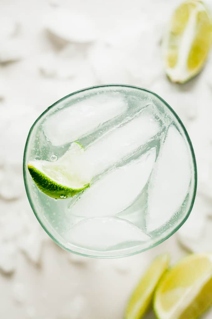 Gin and Tonic - A refreshing cocktail with a hint of citrus! A great alcoholic drink for those warm summer nights. #summer #drink #cocktail #gin #lime #citrus #tonic