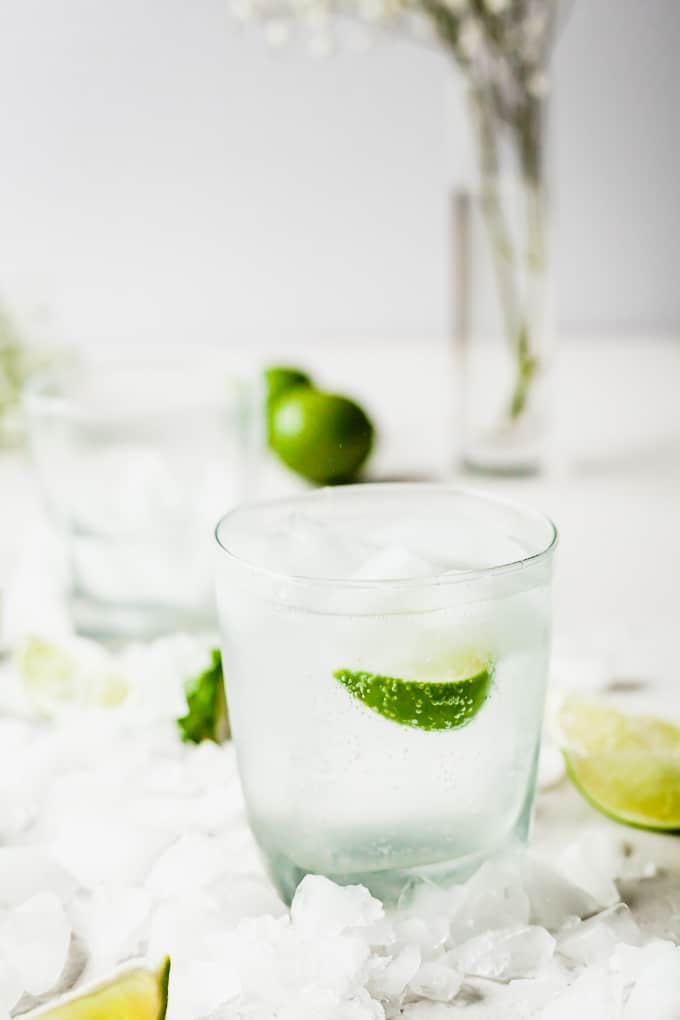 Gin and Tonic - A refreshing summer cocktail! #summer #drink #alcoholic #cocktail #gin #tonic