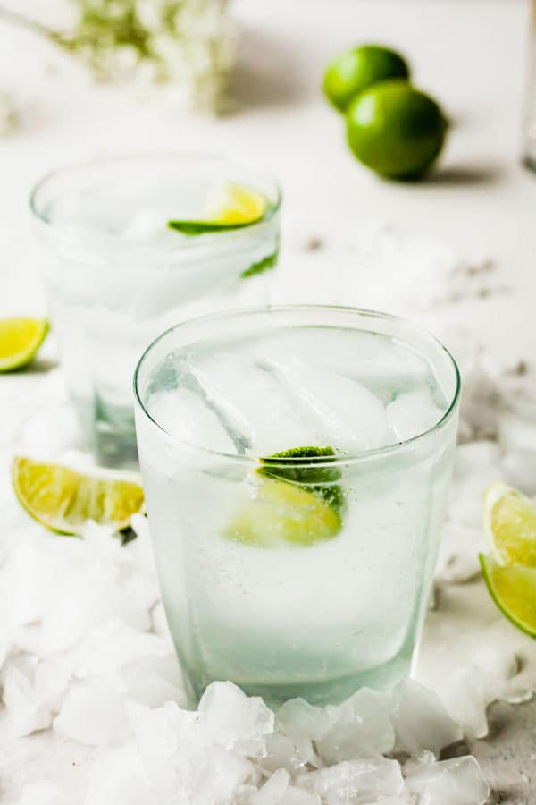 Gin and Tonic - A classic cocktail that requires only three ingredients! #gin #tonic #ginandtonic #alcohol #alcoholic #drink #beverage #cocktail