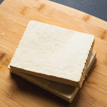 How to Press Tofu Without a Press - Tips to make cooking tofu easy! #tofu #press #vegetarian #vegan #healthy #howto