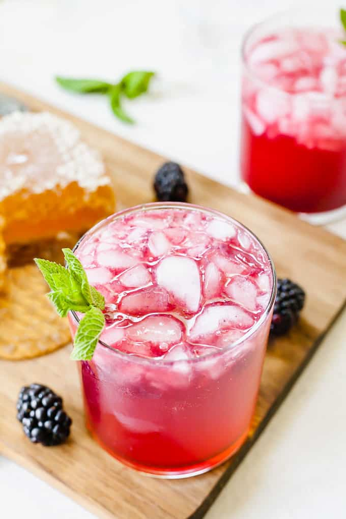 Blackberry Gin Smash - A refreshing gin cocktail that's easy, fruity, and naturally sweetened with honey! #gincocktails #blackberrycocktails #easy #summer #simple