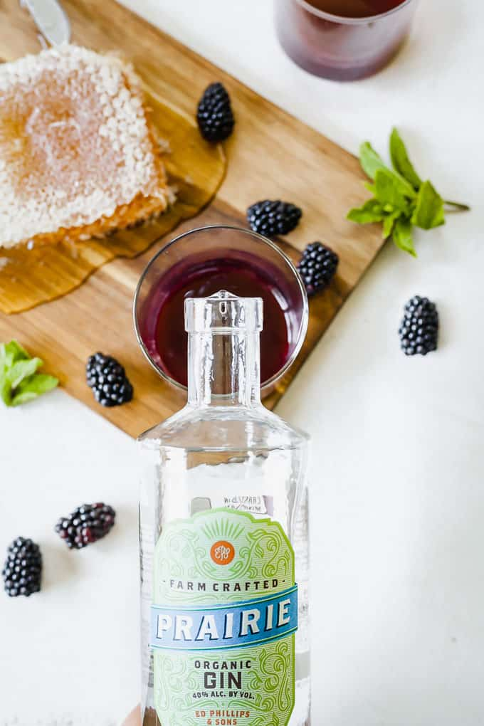 Blackberry Gin Smash - An easy summer cocktail naturally sweetened with honey. #gin #ginsmash #gincocktails #blackberrycocktails #easycocktails