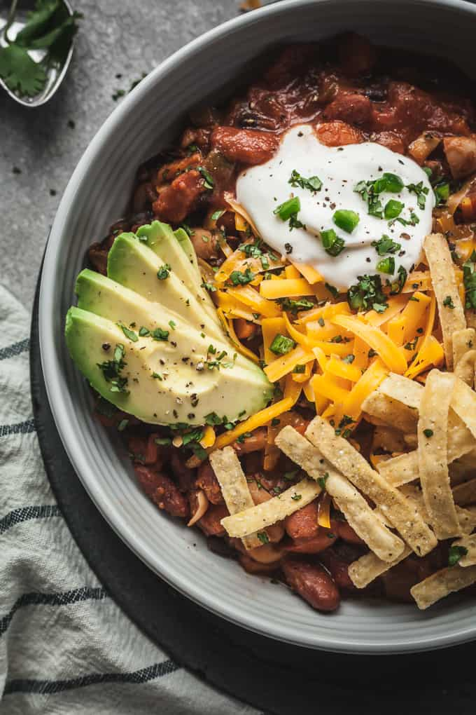 easy vegetarian chili in a blue bowl