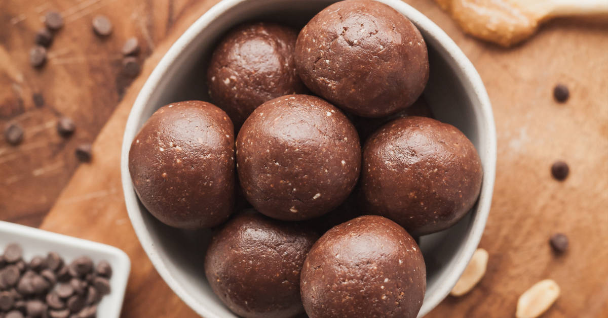 Chocolate Peanut Butter Protein Balls The Live In Kitchen
