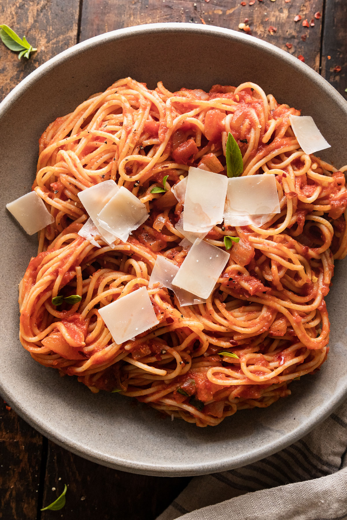close up image of spaghetti arrabbiata in a dish